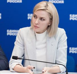 Аршинова: «Единая Россия» включится в работу по постепенному внедрению отраслевой оплаты труда соцработников
